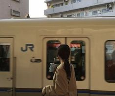 brown aesthetic coffee light korean ulzzang soft minimalistic 얼짱 girl train buildings kawaii cute g e o r g i a n a : a e s t h e t i c s
