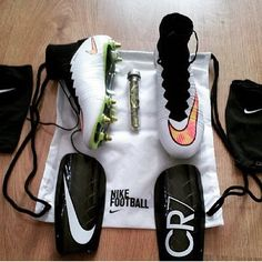 Those spikes on those cleats tho are hawwwt!!! <3 <3 <3