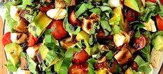 Δες εδώ μια υπέροχη συνταγή για ΣΑΛΑΤΑ ΜΕ ΑΒΟΚΑΝΤΟ, ΜΑΡΟΥΛΙ ΚΑΙ ΚΟΤΟΠΟΥΛΟ, μόνο από τη Nostimada.gr
