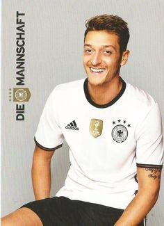 Mesut Özil. Die Mannschaft EuroCup 2016 German Football Players, Germany Football Team, Football Is Life, Sport Football, Soccer Players, Germany Squad, Germany Team, German National Team, Fifa 2014 World Cup