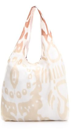 Handbag Spotting: Twelfth St. by Cynthia Vincent