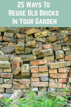 If you have some old reclaimed bricks laying around, or easy access to source some, then here are some brilliant ways to put them to use in your garden. Garden Yard Ideas, Diy Garden Projects, Easy Garden, Balcony Garden, Brick Garden Edging, Brick Pathway, Brick Wall Gardens, Brick Projects, Brick Crafts