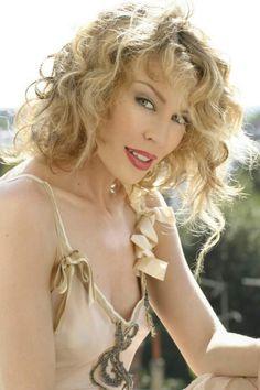 Kylie Minogue, Dannii Minogue, Melbourne, Britney Spears, Taylor Swift, Blond, Most Beautiful, Beautiful Women, Beautiful People