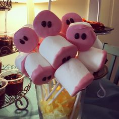 Peppa Pig nose marshmallow pops #peppapig #peppapigparty #pignoses #toddlerparty