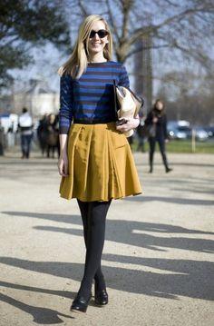 Ah, eu tenho uma blusinha assim da Zara, só que com listras verdes! =)