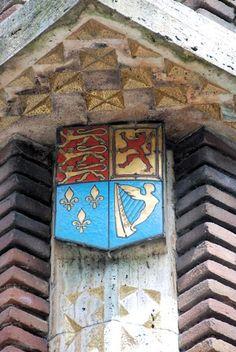 Schild op de sokkel van het ruiterstandbeeld van Willem III op het Kasteelplein