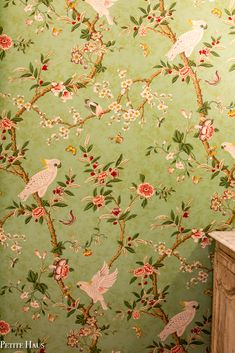 - French - French Country Chinoiserie Powder Room Chinoiserie Wallpaper in a Bathroom/Powder Room. French Wallpaper, Wallpaper Uk, Chinoiserie Wallpaper, Pattern Wallpaper, Wallpaper Ideas, Cottage Wallpaper, Oriental Wallpaper, Painting Wallpaper, Bathroom Wallpaper Green