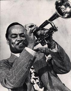 Buck Clayton (12 de noviembre de 1911 – 8 de diciembre de 1991) fue un trompetista de jazz de nacionalidad estadounidense. Su principal influencia la recibió de Louis Armstrong.  Buck Clayton fue uno de los trompetistas mas importantes de la historia del jazz y su nombre está asociado indisolublemente a la gran cantante de jazz, Billie Holiday, para quien Clayton, fue su trompetista inseparable.