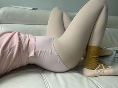 Red Scare, Pretty Ballerinas, Ballet Class, Girls Series, Ballet Girls, Everything Pink, Chanbaek, Looks Cool, Pretty In Pink