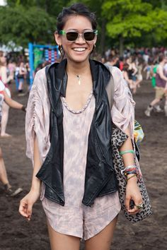 What mud? These show-goers looked stylish despite the dreary weather. Festival Chic, Festival Outfits, Festival Fashion, Teen Fashion, Boho Fashion, Womens Fashion, Good Vibe Tribe, Governors Ball, Rave Costumes