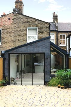Side return extension providing new open plan Kitchen, Dining and Sitting area Kitchen Extension Exterior, Brick Extension, House Extension Design, House Cladding, House Siding, Minimal Kitchen Design, Kitchen Modern, Kitchen Decor, Tiled Conservatory Roof