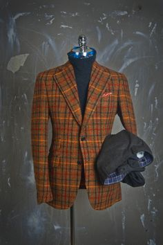 Terracacotta checked blazer - a bold gentry statement. Gentleman Mode, Gentleman Style, Tweed Run, Tweed Jacket, Casual Shirts For Men, Men Casual, Outfit Man, Elegant Man, Blazers