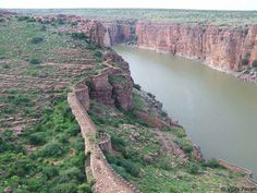 Another view of the Gandikota fort overlooking the Pennar river flowing through a gorge.