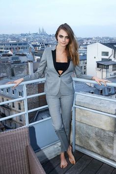 Cara puts the perfect twist on a tailored suit at the Yves Saint Laurent Beauty Event. : Cara puts the perfect twist on a tailored suit at the Yves Saint Laurent Beauty Event. Look Fashion, Fashion Models, Cara Delevingne Style, Celebrity Look, Celebrity Feet, Celebs, Celebrities, Sexy Feet, Suits For Women