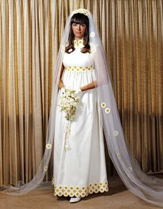 Vintage Brides — 1971 bride Cherry Photo by Bill Weaks, Plainview,. Vintage Wedding Photos, Vintage Bridal, Vintage Weddings, Cowboy Weddings, Barn Weddings, Outdoor Weddings, Romantic Weddings, Vintage Outfits, Vintage Fashion