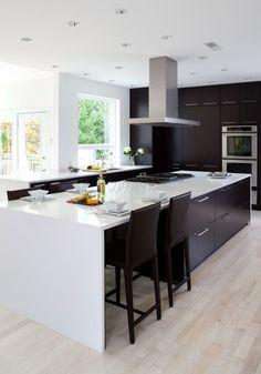Черно-белая кухня (48 фото): как оформить стильный интерьер http://happymodern.ru/cherno-belaya-kuxnya-48-foto-kak-oformit-stilnyj-interer/ pic (39)