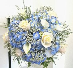 blue winter wedding flowers bouquets