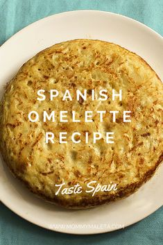 Try this delicious Spanish omelette recipe which requires few ingredients and a fun flip! The three main ingredients are eggs, potatoes, and onion. Spanish Cuisine, Spanish Dishes, Spanish Tapas, Spanish Food, Cuban Recipes, Egg Recipes, Vegetarian Recipes, Cooking Recipes, Spanish Recipes
