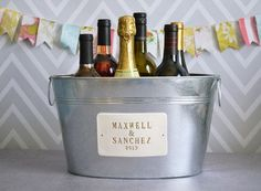 Personalized Wedding Gift - Large Beverage Tub with First Names and Date in Gold by Susabella #beveragetub #champagnetub #weddinggift
