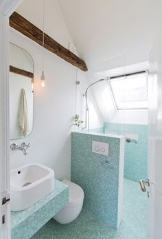 Kan du drømme dig væk i badeværelser? Vi har samlet 25 smukke badeværelser i forskellige stilarter, så du kan få inspiration til både store og små badeværelser