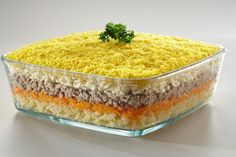 Даже проверенные временем вкусные рецепты салатов приобретают новое звучание благодаря плавленому сыру. Салаты с плавленым сыром отличаются своей легкостью и питательностью одновременно. Мы расскажем вам, как приготовить салат Мимоза и придать привычному блюду настоящую сливочную нежность. Источник: http://shostkasyr.com/