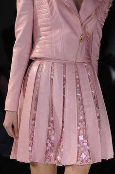 Pink Fashion, Couture Fashion, Runway Fashion, Love Fashion, Fashion Dresses, Womens Fashion, Feminine Fashion, Fashion Shoes, Couture Details