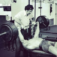 Joe Weider and Arnold Schwarzenegger - two people who shaped bodybuilding into what it is today. Bodybuilding Equipment, Bodybuilding Training, Bodybuilding Workouts, Bodybuilding Motivation, Arnold Photos, Powerlifting Training, Joe Weider, Pumping Iron, Gym Quote