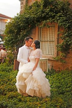 Image detail for -Nic and Izza's wedding was an event filled with love, laughter, and of . Modern Filipiniana Gown, Filipiniana Wedding Theme, Barong Wedding, Wedding Entourage Gowns, Wedding Gowns, Prenup Theme, Wedding Tips, Wedding Photos, Dream Wedding