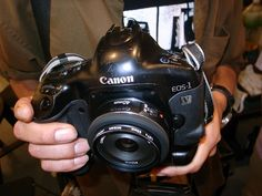 「1vいいなぁ :D」  Shimokitazawa  Canon EOS-1v with 40mm AF lens