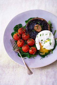 Poached Egg with Spinach, Portabello Mushroom and Vine Tomatoes. Egg ...