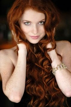 perfect red curls--THIS is the picture I'm going to show to my stylist. Need this hair!
