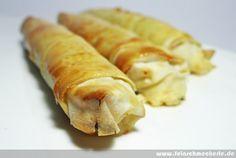Börek mit Schafskäse aus dem Backofen (einzene Röllchen)