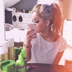 super cute high teased ponytail with gorgeous eye makeup