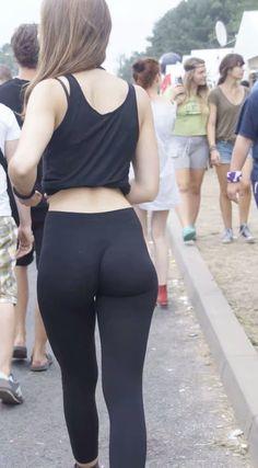 Yoga Pants Fiend : Photo