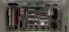 E nem é preciso ter muito espaço! Com um pouco de improviso, é possível realizar o sonho de ter um closet em casa sem gastar muito.