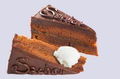 """Prăjitură """"Sachertorte"""", un desert fabulos, foarte uşor de pregătit! E una dintre cele mai căutate reţete din lume   Retete   chefilacutite.a1.ro Something Sweet, Truffles, Yummy Food, Mai, Chocolate, Baking, Recipes, Knits, Google Search"""