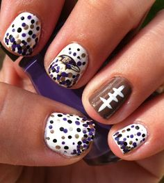 Miscellaneous Manicures: Baltimore Ravens Nails - would be cute for any football team!! Definatly ganna have to do greenbay!!