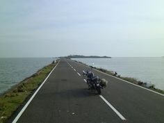 15 Places In India You Absolutely Must Explore On A Motorcycle