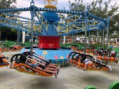 Warner Madrid, Tom Y Jerry, Estilo Disney, Beach, Travel, Fun Places To Go, Funny Videos, Water Play, Storage