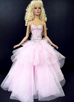 Barbie Dress, Barbie Clothes, Mauve, Barbie Collection, Fashion Dolls, Evening Gowns, Ball Gowns, Cool Style, Pink