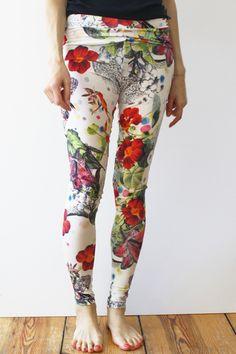 Blumenleggings // Floral leggings by realfakebutreallynice via DaWanda.com