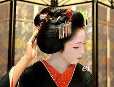 "Maiko Toshikana. Maiko's traditional Japanese dance ""Kurokami(Black hair )"" # #japan #kyoto #geisha #kimono #Japanese culture #orient"