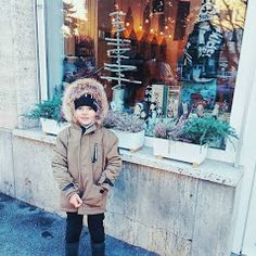 Bubliboom – Fotky Winter Hats, Winter Jackets, Store Windows, Business Help, Fashion, Winter Coats, Display Cases, Moda, Winter Vest Outfits
