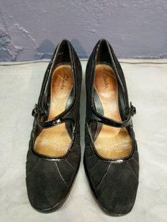 195a736e0a7 Clarks Bendables 8 1 2M Heels Shoes Mary Jane Black Suede Patent Leather  Strap