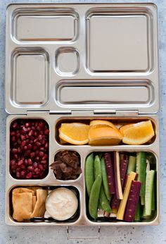 School Lunch Ideas with Planetbox. Healthy, quick to make school lunches with PlanetBox lunch boxes. Several ideas to help you plan your kid's lunches. Healthy Thai Recipes, Best Lunch Recipes, Keto Lunch Ideas, Clean Eating Recipes For Dinner, Vegetarian Recipes, Fun Recipes, Toddler Meals, Kids Meals, Toddler Food