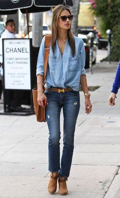 Alessandra Ambrosio, con 'jeans'