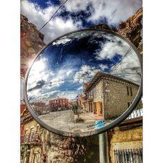 A veces hay que cambiar el punto de vista para poder mirar con otros ojos. #hdr #navalmoral #Avila #Spain #colorday #picture #street #squareandroid #photooftheday #photo #igersavila #igers #clouds #sky #spring