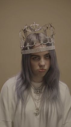 You should see me in a crown billie eilish, queen b, emma watson, Billie Eilish, Videos Instagram, Queen B, Favorite Person, American Singers, Me As A Girlfriend, Models, Girl Crushes, Music Artists