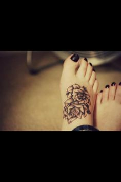 Pretty foot tattoo. I would cover the turtle I have on my foot with this