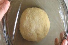 Šneci s tvarohem a zakysanou smetanou - VařímeDobroty.cz Bread, Food, Brot, Essen, Baking, Meals, Breads, Buns, Yemek